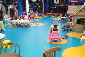 Дертски център Tон Бонбон Mall Plaza